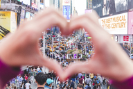 USA, New York, heart-shaped hands on Times Square - WPE00036