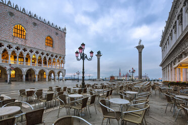 Italy, Veneto, Venice, St Mark's Square and Doge's Palace in the morning - YRF00191