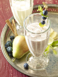 Shake, blue berry, pear and cinnamon sticks - SRSF00622