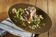 Salmon with avocado salad - SRSF00643