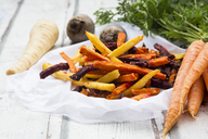 Sweet potato, carrot and parsnip fries - LVF06679