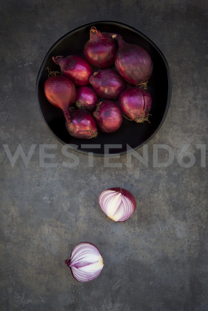 Bowl of red onions - LVF06685