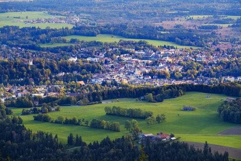 Germany, Bavaria, Upper Bavaria, Isarwinkel, Bad Toelz, View from Blomberg - SIEF07722