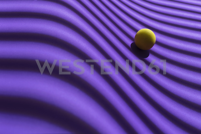 Yellow sphere over a geometric purple background, 3D Rendering - DRBF00046