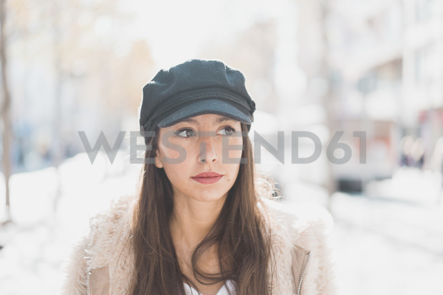 Portrait of stylish young woman in the city - AFVF00012