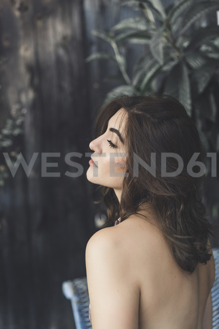 Young woman with brown hair - AFVF00049
