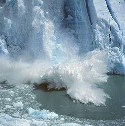 Ice breaking off a glacier - FSIF02352