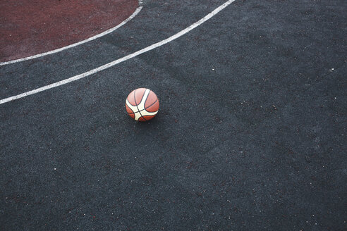 Basketball on court - VPIF00323