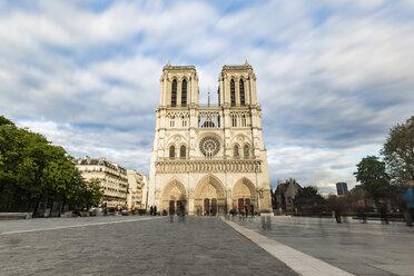 France, Ile-de-France, Paris, Notre Dame cathedral, long exposure - WPEF00122