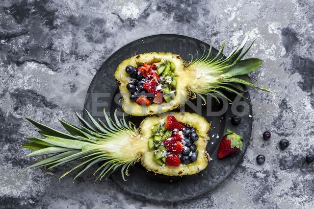 Sliced ananas with fruits, kiwi, strawberry and blueberry - SARF03589