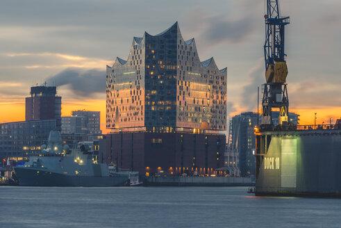 Germany, Hamburg, Hafencity, Elbe Philharmonic Hall at sunrise - KEBF00758
