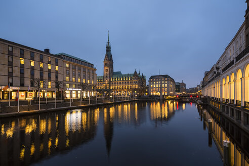 Germany, Hamburg, town hall and Little Alster in the evening - FOF09884
