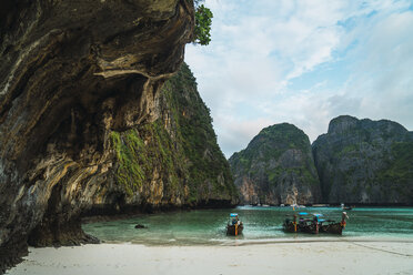 Thailand, Phi Phi Islands, Ko Phi Phi, moored long-tail boats in a bay - KKAF00886