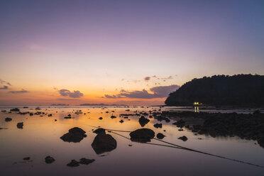 Thailand, Phi Phi Islands, Ko Phi Phi, purple sunset on the beach - KKAF00907