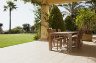 Patio with table - CAIF00355