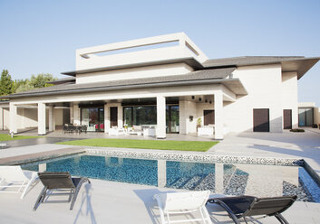 Luxury swimming pool and house - CAIF00385