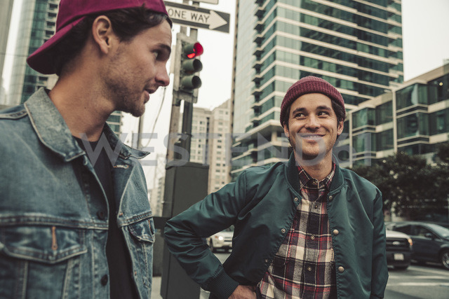 Two young men in the city on the move - SUF00537