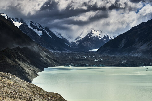 New Zealand, South Island, Mount Cook National Park, Tasman Lake - MRF01785