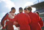 Racer and team talking on track - CAIF01969