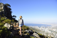 South Africa, Cape Town, woman on hiking trip to Lion's Head - ECPF00224
