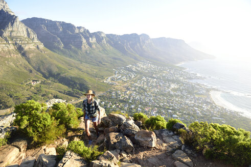 South Africa, Cape Town, woman on hiking trip to Lion's Head - ECPF00230