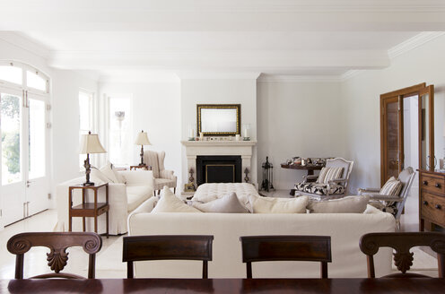 Luxury living room - CAIF03685