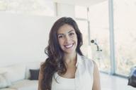Portrait smiling brunette woman - HOXF00172