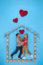 Couple falling on love in their new home - BAEF01610