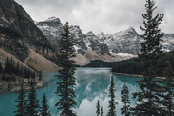 Canada, Alberta, Valley of the Ten Peaks, Banff National Park, Moraine Lake - GUSF00338