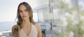 Portrait serious, confident beautiful woman - HOXF01065