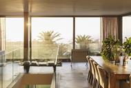 Sunny modern dining room - HOXF01986
