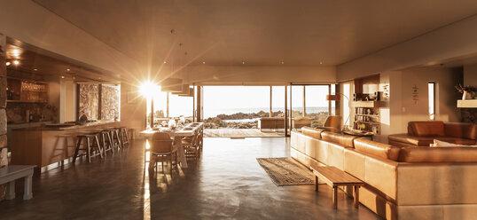 Sun shining in luxury home - HOXF03294