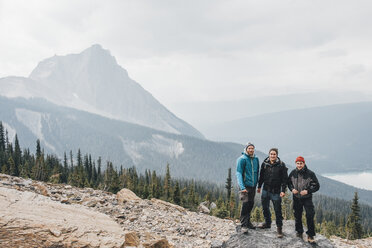 Canada, British Columbia, Yoho National Park, portrait of three hikers at Mount Burgess - GUSF00461