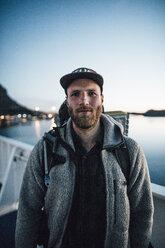 Canada, British Columbia, portrait of man at West Coast - GUSF00521