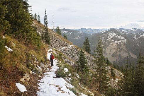 Female hiker on mountain - CAVF01783