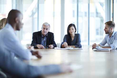 Business people meeting in conference room - CAIF12627
