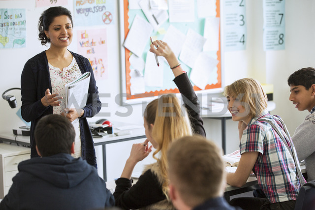 Teenage students learning in classroom - CAIF15208