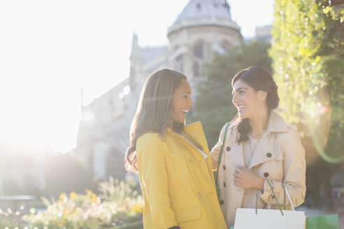 Women talking in urban park - CAIF17022