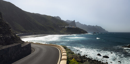 Spain, Canary Islands, Tenerife, Roque de las Bodegas beach - STCF00402