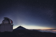 Spain, Canary Islands, Tenerife, Teide observatory at night - STCF00456