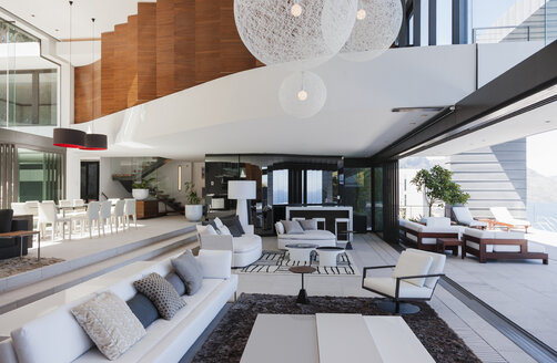 Living room in modern house - CAIF19027