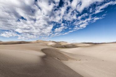 Desert landscape against cloudy sky - CAVF15151