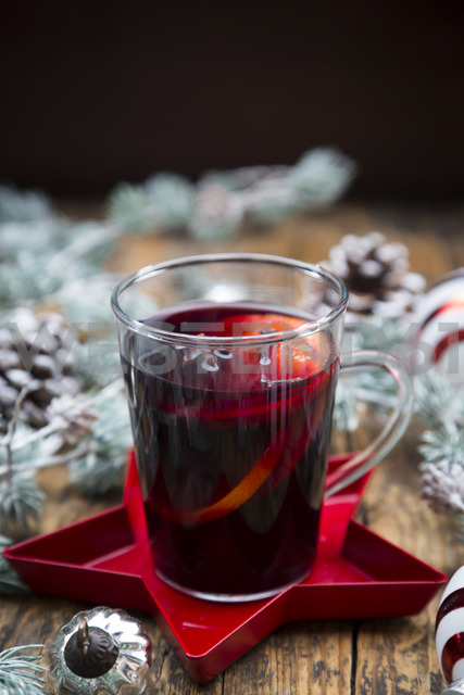 Mulled wine and christmas decoration - LVF06806