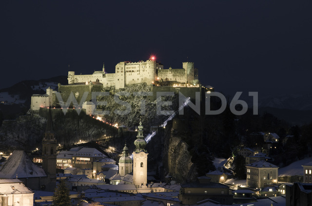 Austria, Salzburg, Hohensalzburg Fortress at night - STCF00504