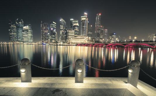 Singapore, Skyline at Marina Bay at night - STCF00555