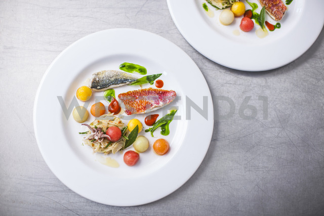 Dish with seafood and vegetables - KVF00138