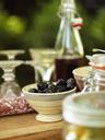 Bowl with black olives - FOLF01420
