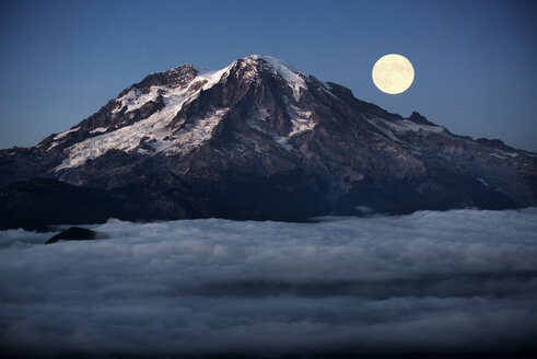 Full moon over mountain covered with clouds - CAVF30219