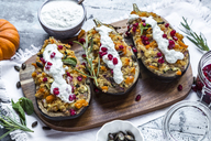 Filled aubergine, bulgur, pumpkin, pomegranate, zucchini, rosmary, tzaziki, mint, vegetables - SARF03631