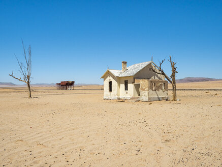 Africa, Namibia, forsaken train station - RJF00747